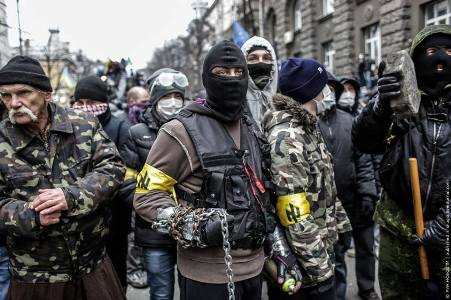 Faschisten bei Demonstrationen in der Ukraine