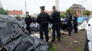 """Mai 2014: Die """"sozialistische"""" Regierung Hollande lässt die Flüchtlingslager in Calais räumen"""